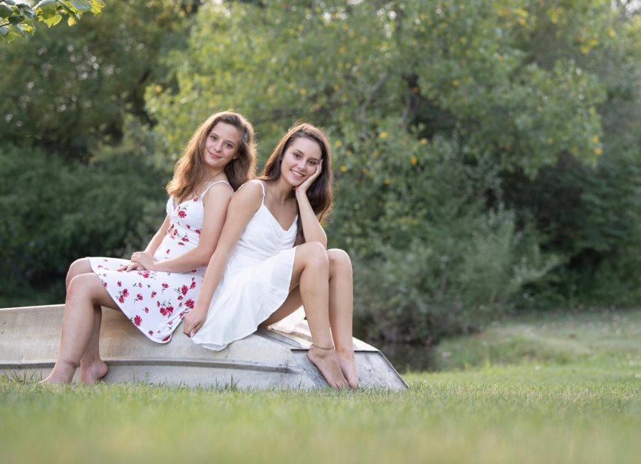 Twins%3A+Erika+and+Jessica+Poiry